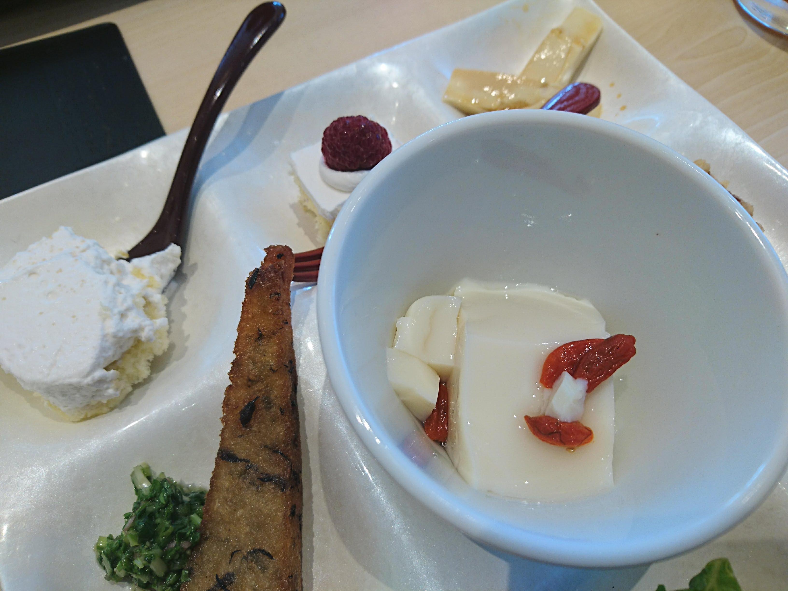 調布trie「はーべすと 自然食バイキング」デザート中心