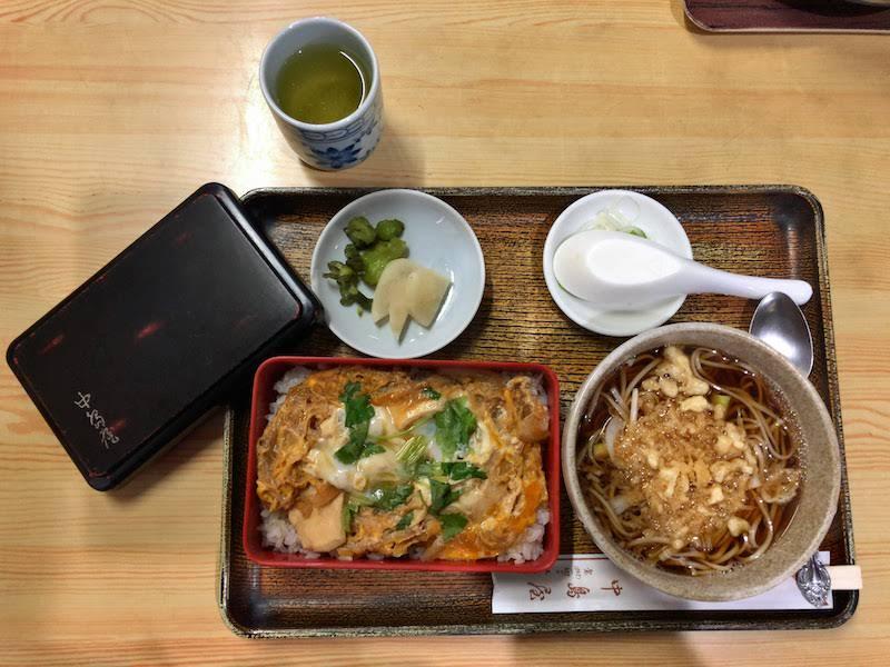 調布「中島屋」親子丼セット(温そば)
