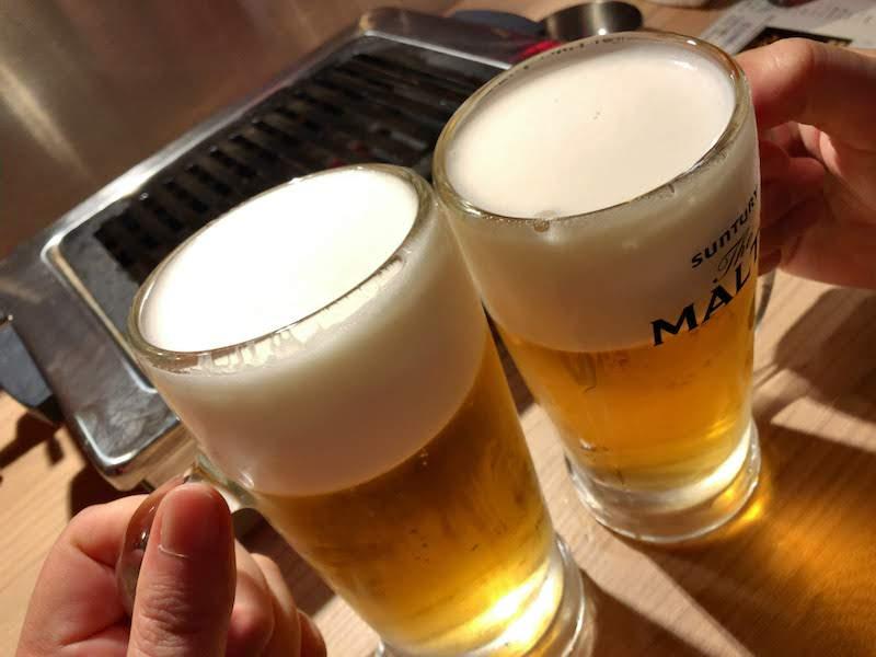 渋谷「焼肉 金タレ」生ビールで乾杯