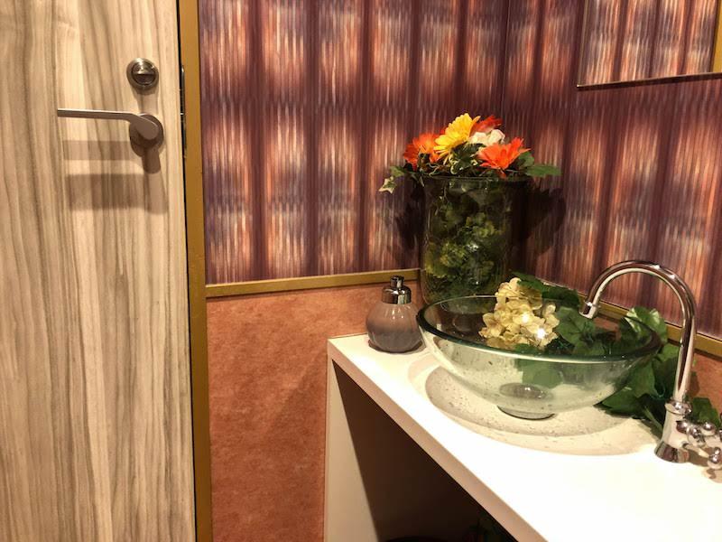 調布「ペコリ」驚きの女子トイレ