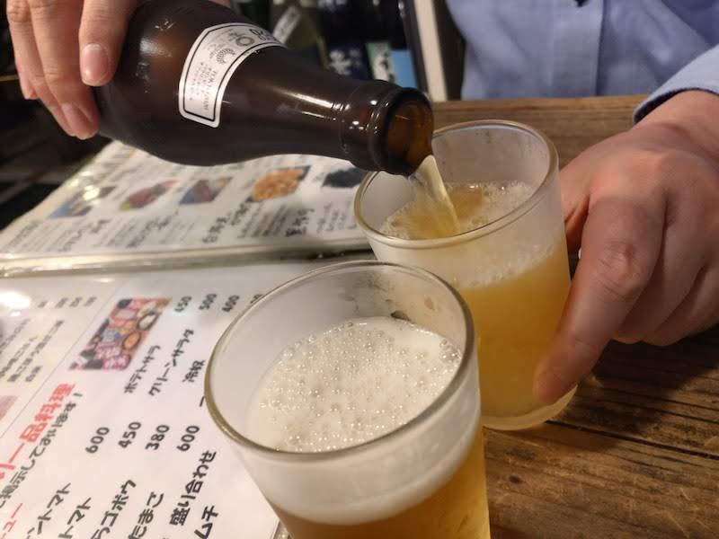 府中「武蔵野うどん 本店」乾杯の瓶ビール