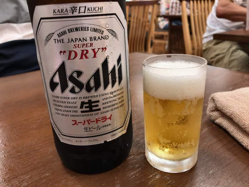 高尾山口「極楽湯」お食事処 瓶ビール