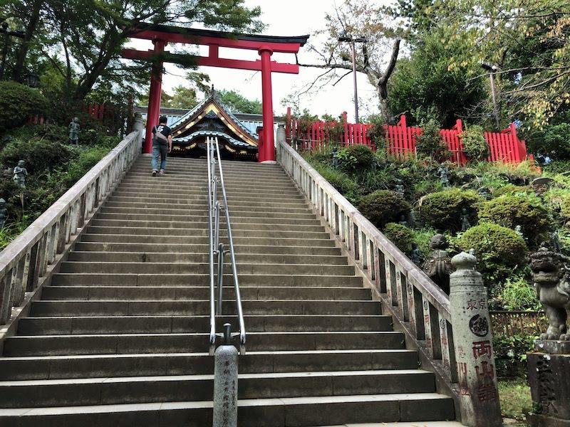 高尾山「1号路 登山」本社への鳥居