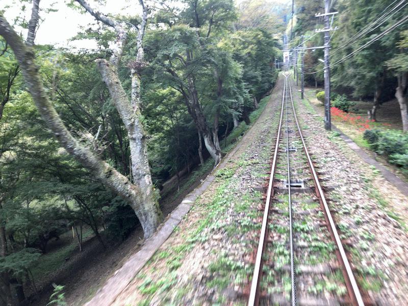 高尾山「1号路 登山」ケーブルカーからの景色
